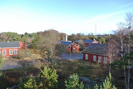 Linnakesaarella on kaksi tsaarinaikaista kasarmialuetta. Kuva: Esko Sorakunnas