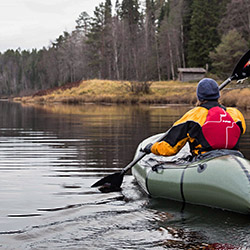 When canoeing, you can experience Oulanka from another angle. Photo: Kjell Erik Reinhardtsen