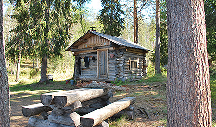 Open wildernes hut by Laukkujärvi. Photo: Sirke Seppänen
