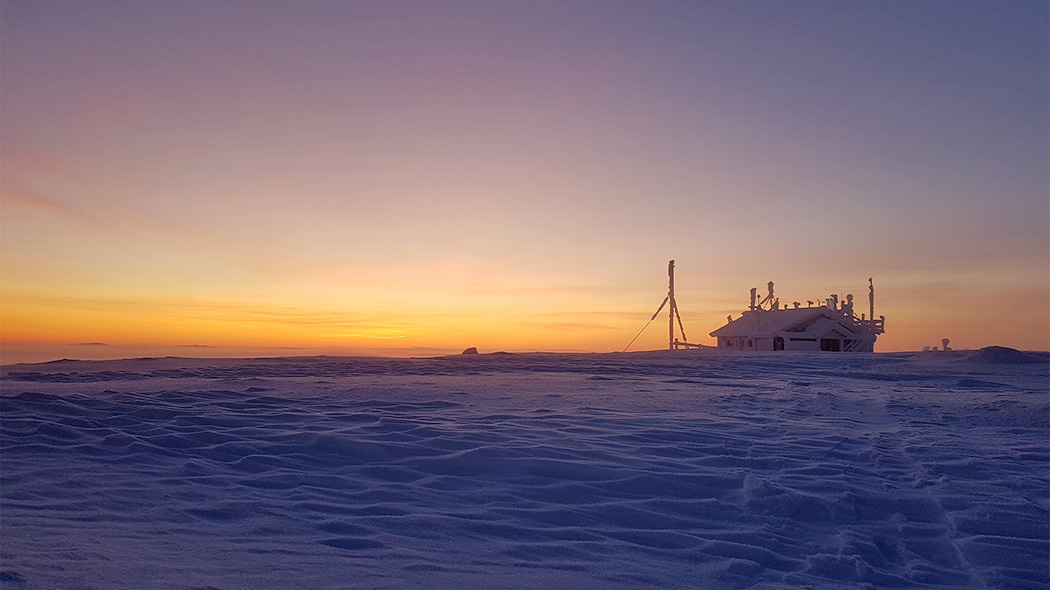 The Research Station of Finnish Meteorological Institute at the top of the Sammaltunturi Fell. Photo: Valtteri Hyöky.