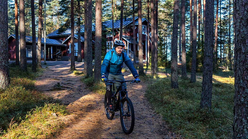 A marked cycling route begins in Salo and runs through Teijo National Park. Photo: Jari Kostet