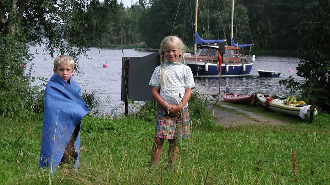 Young visitors at Sammakkoniemi Camping on Linnansaari Island. Photo: Hanne Liukko