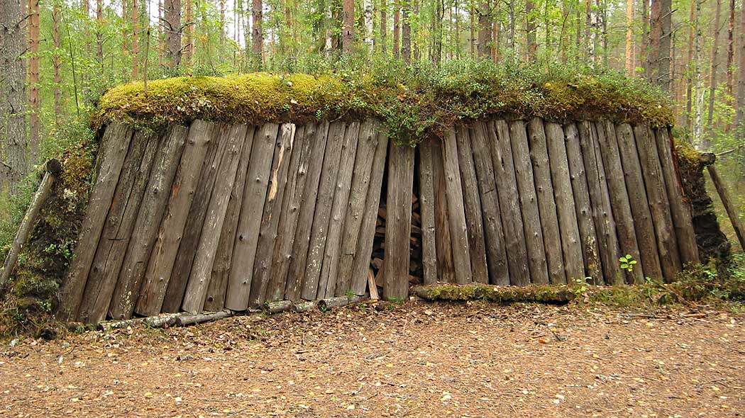 A cross-section of a restored charcoal pit can be found by Mäntypolku Trail. Photo: Tarja Teppo