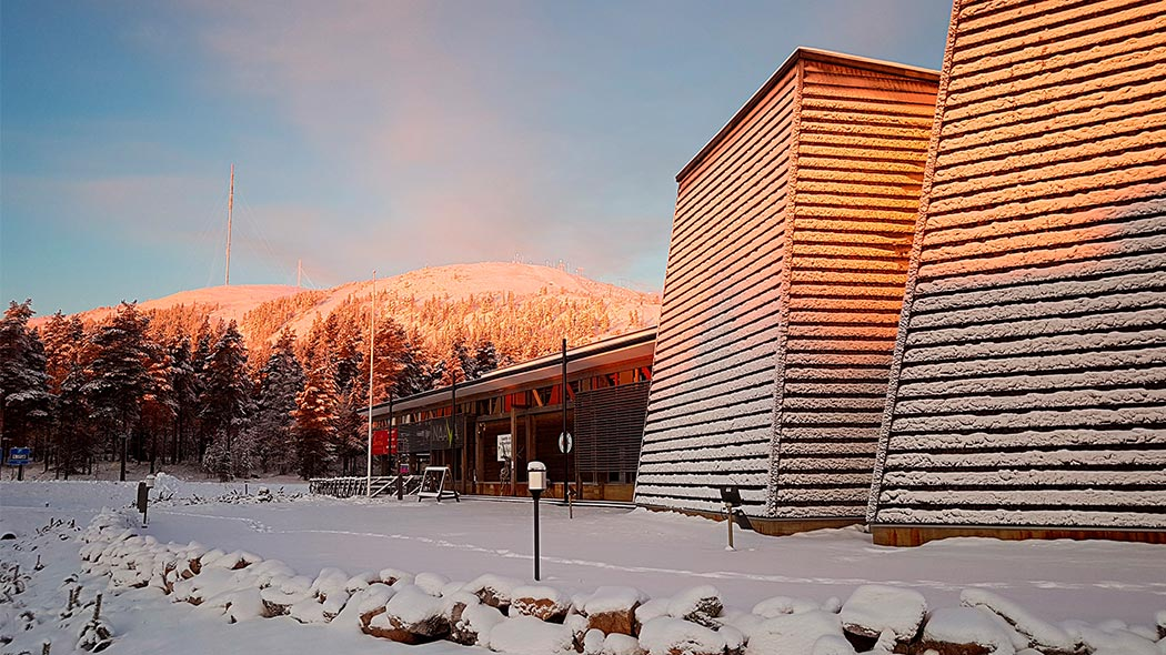 Visitor Centre Naava in early winter sunrise colours. Image: Anna Pakkanen